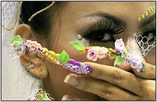 Creative-Finger-Nail-Art-15