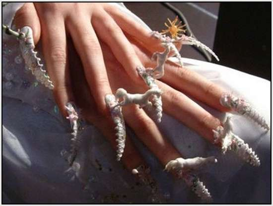 Creative-Finger-Nail-Art-5