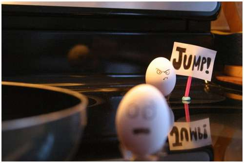 Funny-and-Clever-Egg-Photography-19