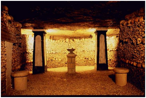 http://www.moolf.com/images/stories/Amazing/Paris-catacombs/Paris-catacombs-2.jpg
