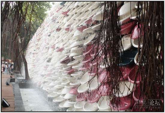 Toilet-Sculpture-in-China-3