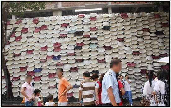 Toilet-Sculpture-in-China-6