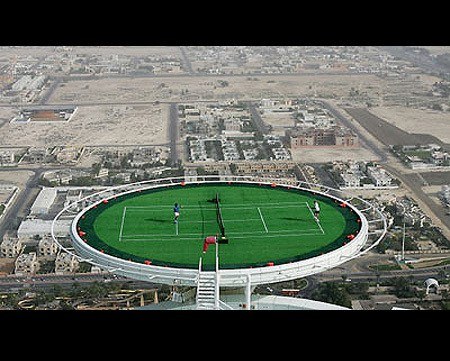 Dubai-crazy-tennis