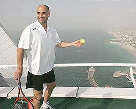 Dubai-crazy-tennis 3