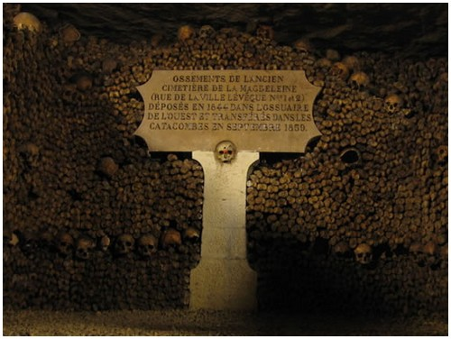 Paris-catacombs-5