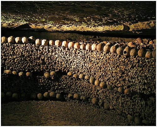 Paris-catacombs-6