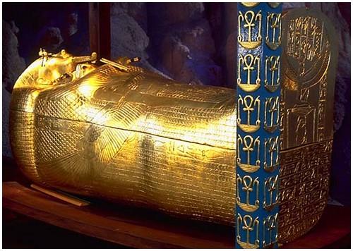 Pharaoh-Tutankhamun-4