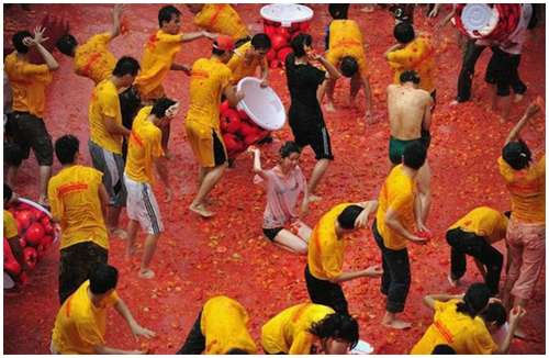 Tomato-Fight-in-China-8