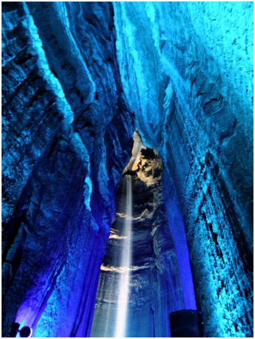 Underground-Waterfall-Ruby-Falls-9