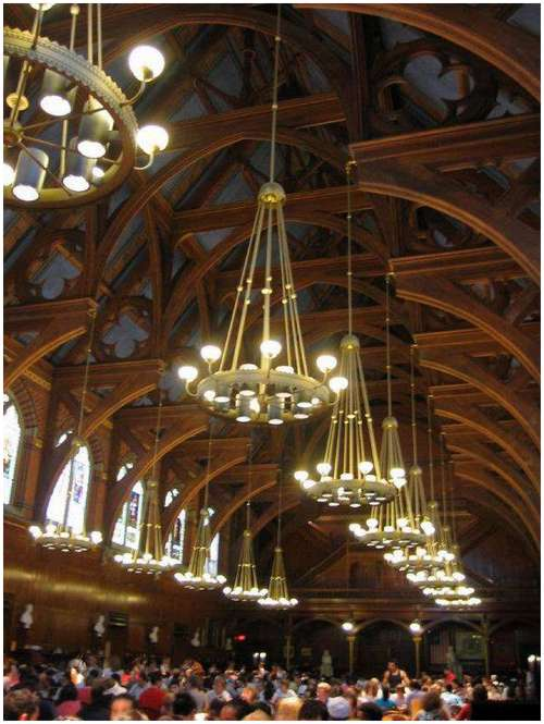 Beautiful-canteen-of-Harvard-University-2