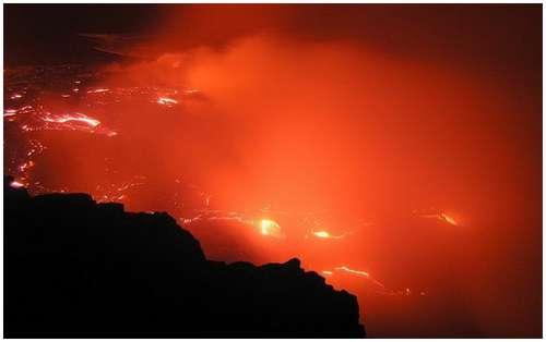 Volcanoes-Lava-12