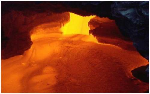Volcanoes-Lava-15