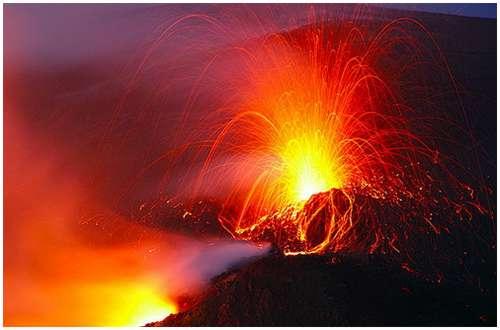 Volcanoes-Lava-4