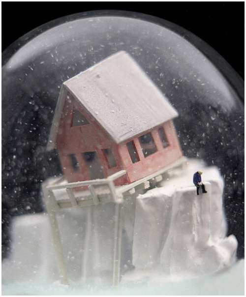 Wonderful-snow-globes-11
