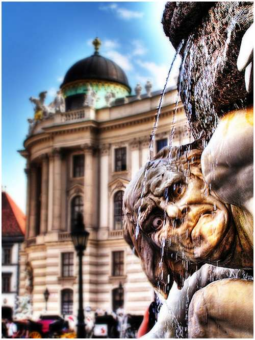 Amazing-Photos-of-Gargoyles-and-Grotesques-2