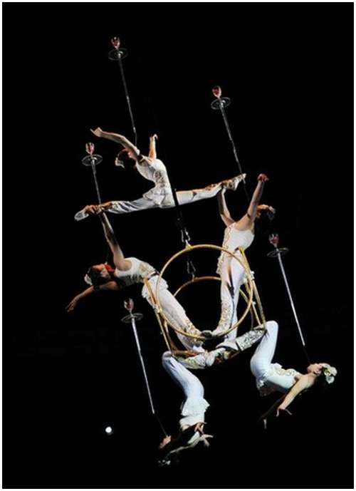 Beautiful-Acrobatic-Art-Festival-11