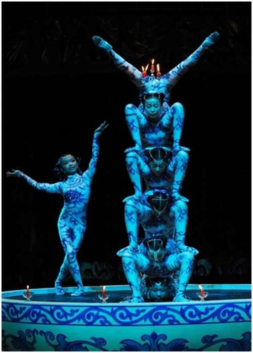 Beautiful-Acrobatic-Art-Festival-9