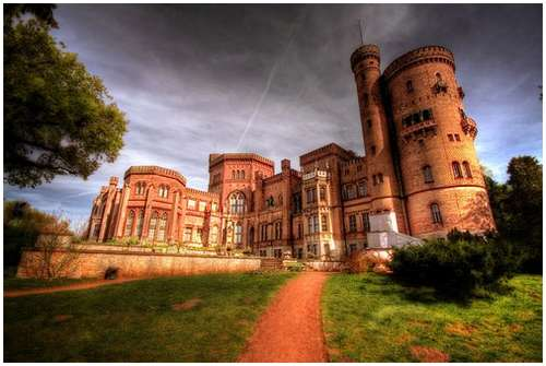 The-Worlds-Most-Beautiful-Castles