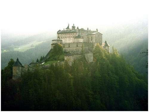 castle-werfen