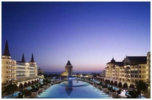 The-Mardan-Palace-Hotel-5