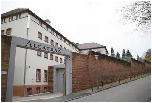 German-Prison-Hotel-14