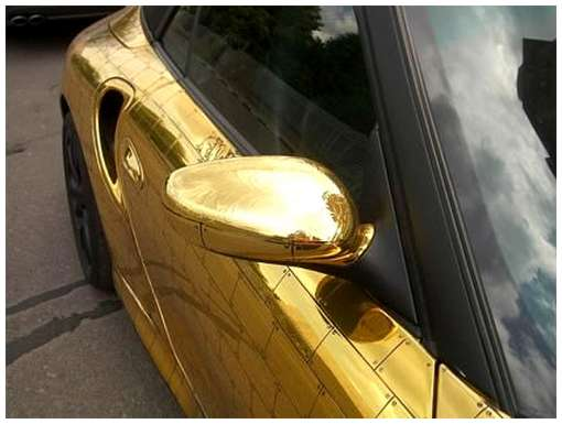 Golden-cars-on-Moscow-Streets-15