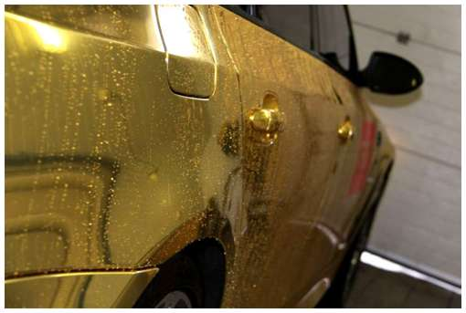Golden-cars-on-Moscow-Streets-7