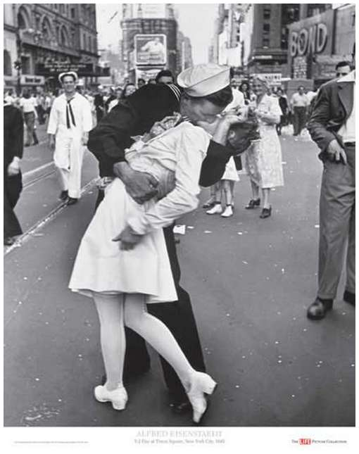 v-j-day-kiss-eisenstaedt