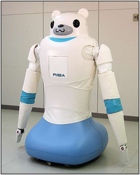 Robotic-Bear-Helps-Nurses-Carry-Patients-2