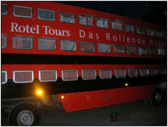 The-Rolling-Hotel-4