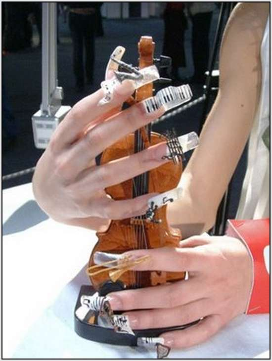 Creative-Finger-Nail-Art-10