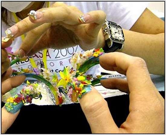 Creative-Finger-Nail-Art-7