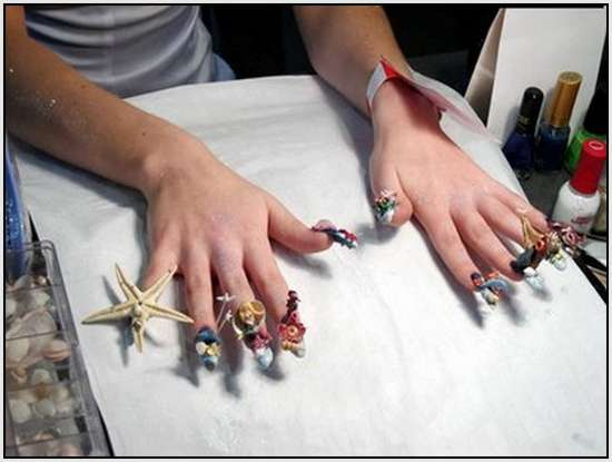 Creative-Finger-Nail-Art-8
