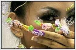 Creative-Finger-Nail-Art