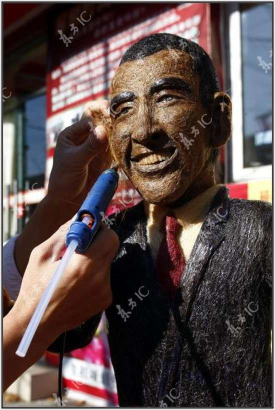 Hair-Made-Sculpture-of-Barack-Obama-15