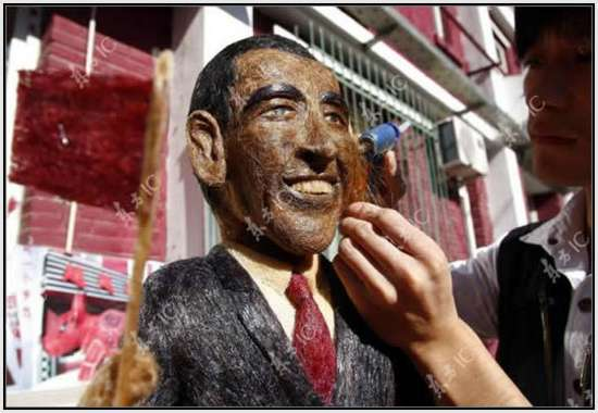 Hair-Made-Sculpture-of-Barack-Obama-9