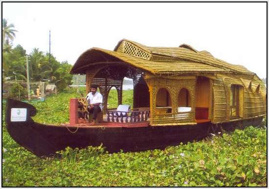 Unique-Houseboats-Called-Kettuvalloms-1