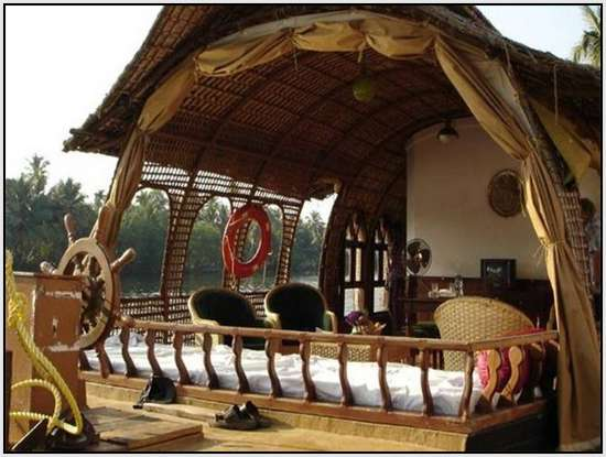 Unique-Houseboats-Called-Kettuvalloms-10
