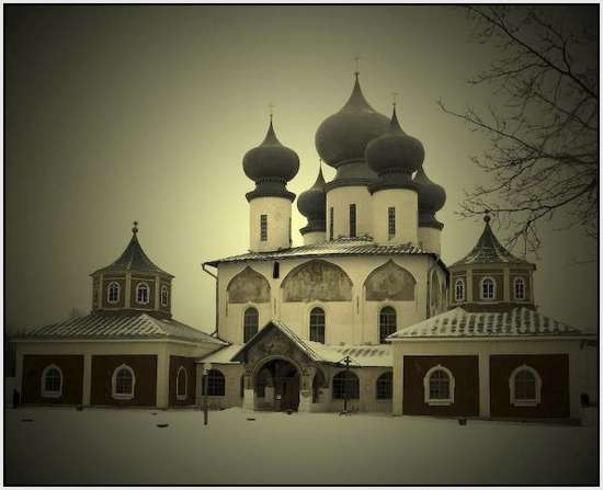 Most-Beautiful-Russian-churches-28