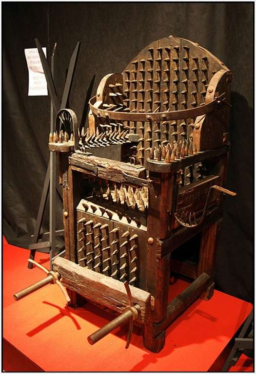 Chair-of-spikes
