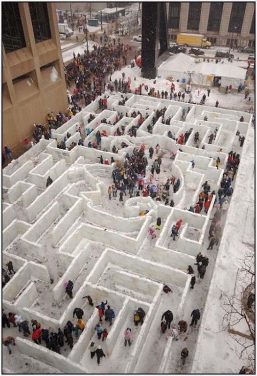 Largest-Ice-Labyrinth-19