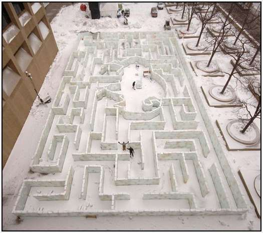 Largest-Ice-Labyrinth-20