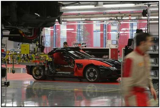 Ferrari-Production-Factory-in-Maranello-26