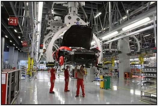 Ferrari-Production-Factory-in-Maranello-27