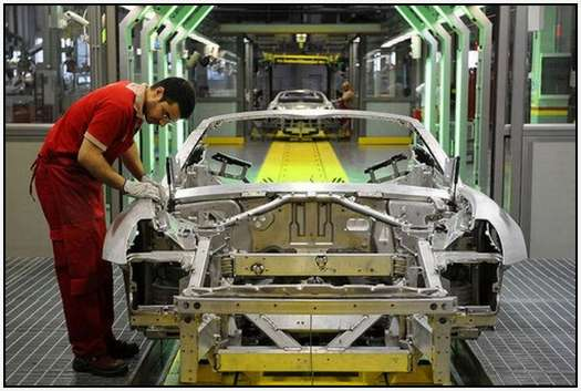 Ferrari-Production-Factory-in-Maranello-4