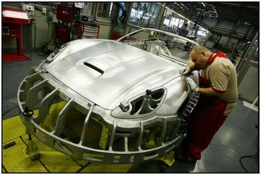 Ferrari-Production-Factory-in-Maranello-6