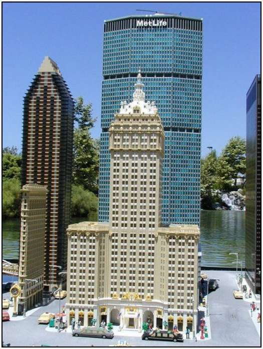 New-York-City-out-of-Lego-Bricks-30