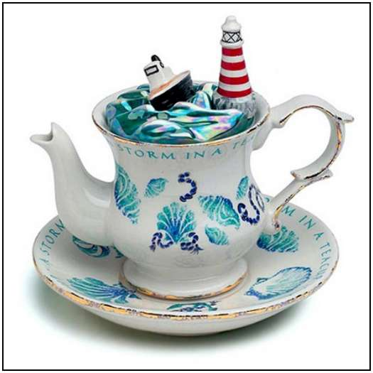 Incredibly-Unusual-and-Creative-Teapots-3