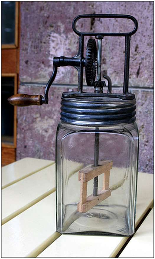 Antique-Hand-Powered-Blender-6