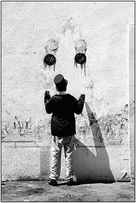 Street-Art-Created-by-Robin-Rhode-2